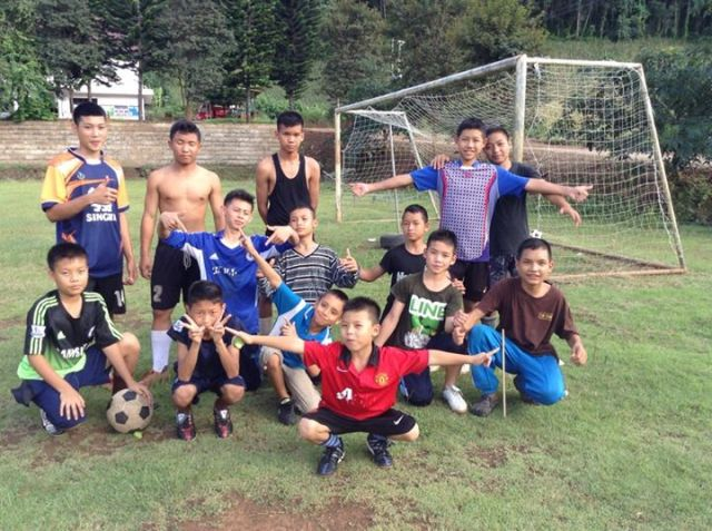 2014-10-03-TS soccer shoes